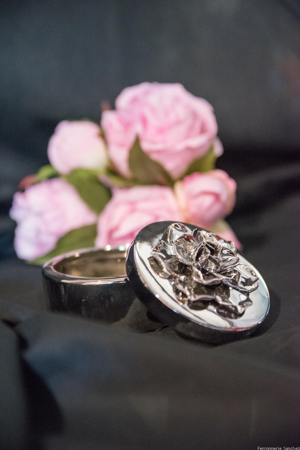 Boite céramique fleur argent