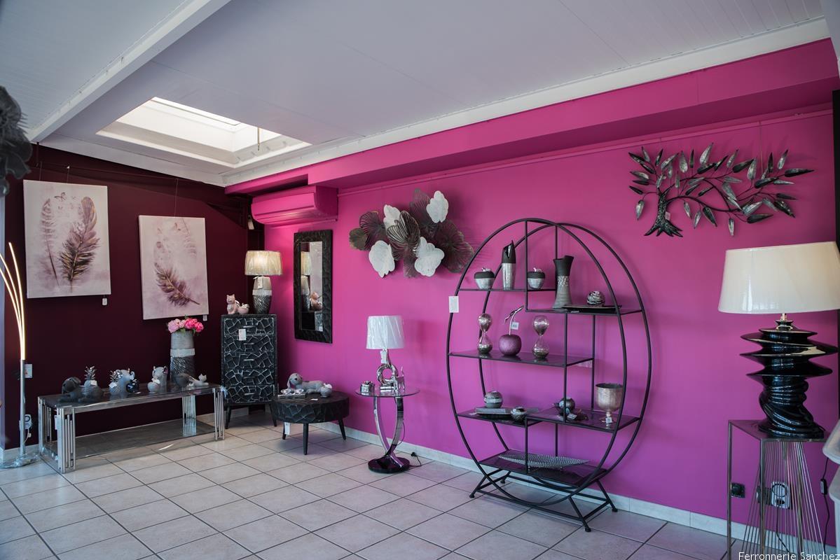 Etagère , meuble, table basse ,miroir  décor mural en métal,Lampes, vases, tableaux, sellette