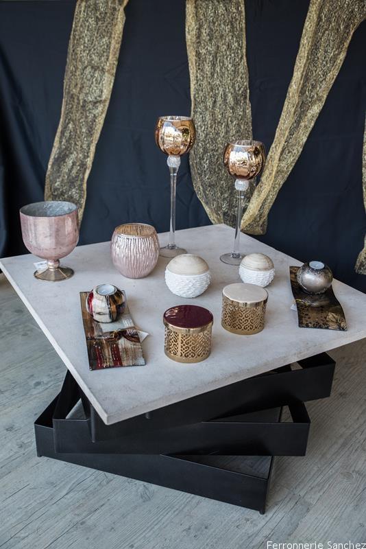 Table basse métal et pierre,boite déco,bougies,coupe verre
